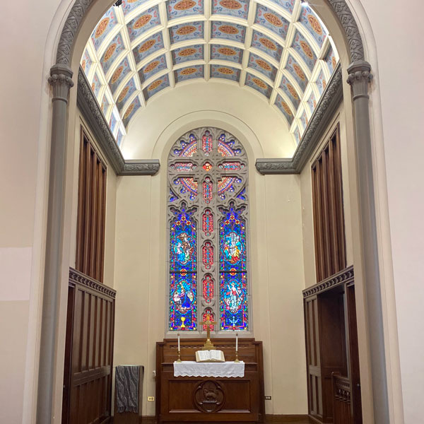 beautiful Chicago chapels for intimate weddings